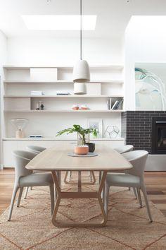 Esprit scandinave, salle à manger douce et épurée | Scandinavian Dining room, soft and minimal