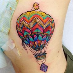 Love the colour and pattern of this balloon