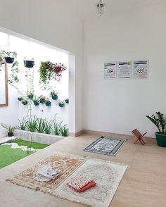gorgeous ramadan decor ideas for your home 51 Home Room Design, Home Interior Design, Interior And Exterior, House Design, Interior Garden, Prayer Corner, Islamic Decor, Ramadan Decorations, Prayer Room