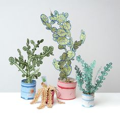 Spring Flowers for Prickly Black Thumbs: 7 Paper Plant & Cacti Projects Origami, Potted Plants, Cactus Plants, Real Plants, Cactus Flower, Paper Plants, Paper Succulents, Paper Cactus, Arte Popular