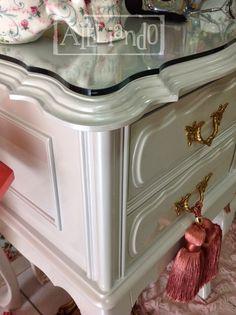 Ateliando - Customização de móveis antigos: Penteadeiras Pérola