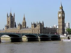 This walking tour visits all of the main tourist sights in London with Tourboks!