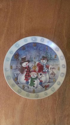 Check out this item in my Etsy shop https://www.etsy.com/listing/450459150/snowmen-holiday-7-34-inch-clock
