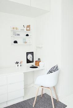"""Bei """"my scandinavian home"""" findet sich immer schöne Inspiration. Heute was aus dem hohen, finnischen Norden. Dabei sind Produkte von Marimekko, nette Vögel der Stuhl Bertoia. Außerdem Produkte von Hay, Klassiker von Eames und Thonet aber auch Modernes wie z.B. die Dots von Muuto. So schön können skandinavische Wohnträume sein. Vor allem das Kinderzimmer ist …"""
