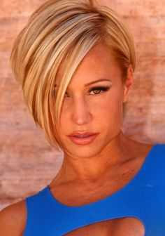 Asymmetric short blond hair