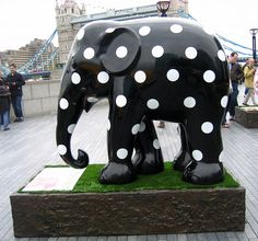 dot elephant Polka dot elephant by helenoftheways (In case you need an idea of what to get me for my birthday).Polka dot elephant by helenoftheways (In case you need an idea of what to get me for my birthday). Elephant Parade, Connect The Dots, Black And White Colour, Cool Patterns, Sculptures, Creations, Polka Dots, Whimsical, Beautiful