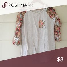 Sleeve shirt very light grey 3 4 sleeve top with floral print lace