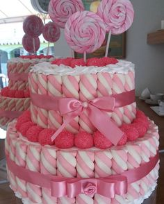 birthday – Sweet World Ideas Marshmallow Cake, Bar A Bonbon, Dessert Bar Wedding, Girly Cakes, Sweet Trees, Candy Cakes, Girl Baby Shower Decorations, Candy Bouquet, Candy Table