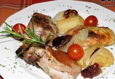 Kemencés csülök pékné módra Hungarian Recipes, Hungarian Food, French Toast, Pork, Chicken, Breakfast, Kale Stir Fry, Morning Coffee, Hungarian Cuisine