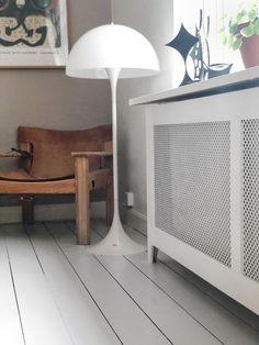 Diy – radiatorskjulere House Of Lords, Apartment Goals, Nordic Style, Radiators, Living Room, Interior Design, Home Decor, Interiors, Doggies