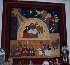 Cute Christmas Quilt :) Love the layout.maybe do with Kenna and Donna designs? Christmas Applique, Christmas Sewing, Christmas Nativity, Christmas Projects, Christmas Quilting, Christmas Patterns, Christmas Wall Hangings, Christmas Decorations, Christmas Makes
