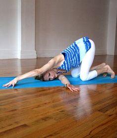 Quando iniziamo a curare l'apertura delle spalle con la pratica Yogascopriamo che questa azione è legata a sua volta all' apertura del torace. L'area del torace e delle spalle è strettamente legata alla nostra vitaemotiva. Aprire l'area del torace e delle spalle significadare spazio al cuore, al respiro, al fluire dellavita e a tutte le funzioni dell'Anahata Chakra. Aprire quest'areaContinue Reading