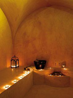 Hôtel - Tunisie - Riad - Médina - Nabeul Interior Garden, Bathroom Interior Design, Interior Decorating, Underground Homes, Tadelakt, Spa Design, Mediterranean Decor, Natural Building, Earthship