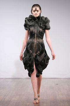 iris-van-herpen-fashion-design-full 2