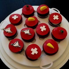 Swiss National Day Cupcakes Cupcakes, Swiss National Day, Swiss Flag, Swiss Recipes, Irish English, Swiss Miss, Swiss Switzerland, Deserts, Favorite Recipes