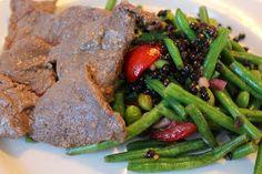 En dejlig nem, hurtig og sund aftensmad.....eller frokost....   Til 4 personer  200 g grønne bønner - frosne eller friske  6 store cocktailt...