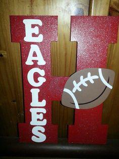 New yard signs sports school spirit Ideas Football Spirit, Football Cheer, High School Football, Football Stuff, Football Season, Varsity Cheer, Flag Football, Football Locker Signs, Soccer Locker