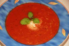 Tomatensuppe mit Reis http://kulinarica.blogspot.de/2015/01/tomatensuppe-mit-reis.html