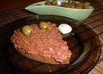 Tatarský biftek - tatarák z hovězího masa Steak, Recipes, Roast Beef, Red Peppers, Steaks