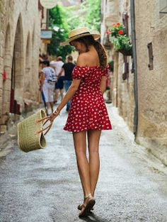 68 Awesome Summer French Street Style Looks Idea - Fashionetter Paris Mode, Summer Holiday Outfits, Spring Summer Fashion, Summer Holiday Style, Style Summer, Summer Ootd, Holiday Clothes, Summer Chic, Summer Outfit