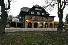 Holubyho chata Lubina 916 12, Slovensko Mansions, House Styles, Places, Home Decor, Sea Bass, Decoration Home, Manor Houses, Room Decor, Villas