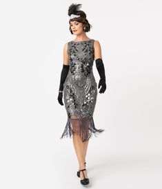 A Great Gatsby prom night begins with the perfect inspired dress. Shop the best vintage style Great Gatsby theme prom dresses, shoes, headbands, etc 1920s Formal Dresses, 1920s Party Dresses, Vintage 20s Dresses, 1920s Inspired Dresses, 1920s Outfits, Unique Dresses, Flapper Dresses, Flapper Costume, Gatsby Dress For Sale