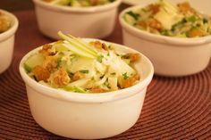Salada Verão de Maçã Ingredientes     1 limão 1 pote de iogurte natural (170g) ½…