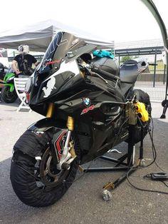 BMW S1000RR Bmw Performance, Bmw S1000rr, Driving School, Moto Bike, Mens Gear, Sportbikes, Bike Life, Cool Bikes, Ducati