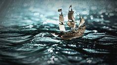 Aspirante a marino Aprovechando el viento de la tarde, el aspirante a marinero, navega en su pequeño barco de vela,...