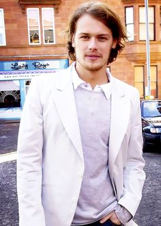 Sam Heughan <-- The epitome of handsome <3