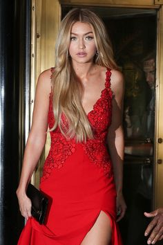 10 Gigi Hadid Beauty Moments Worthy of This Year's Victoria's Secret Runway
