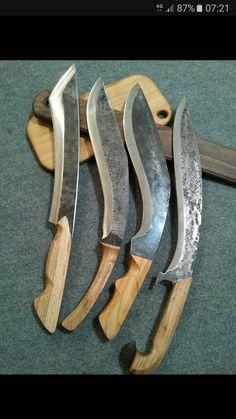 Messer im Kukri-Stil - clara Forging Knives, Forged Knife, Tactical Knives, Cool Knives, Knives And Swords, Beil, Homemade Weapons, Sword Design, Dagger Knife