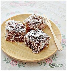Anncoo Journal : Abok Abok Sago: Malay Dessert of Tapioca Pearls & Palm Sugar Malaysian Cuisine, Malaysian Food, Malaysian Recipes, Sago Recipes, Asian Recipes, Asian Foods, Chinese Recipes, Baking Recipes, Dessert Recipes