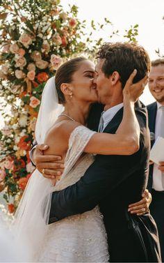 Plan My Wedding, Wedding Pictures, Wedding Day, Wedding Photo Inspiration, Italy Wedding, Wedding Beauty, Here Comes The Bride, Dream Wedding Dresses, Wedding Bells