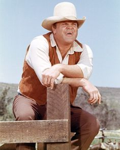 Bonanza - Dan Blocker as Hoss Cartwright