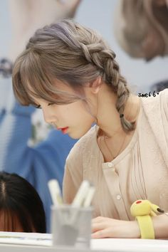 160923 Taeyeon - 'Samdasoo' Fansign Event at COEX Live Plaza cr; Yoona, Sooyoung, Snsd, Hairstyles Haircuts, Pretty Hairstyles, Hair Day, Your Hair, Hair Inspo, Hair Inspiration