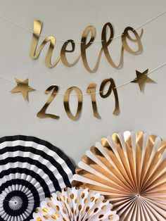 Happy New Year 2019 :Hello 2019 party banner Happy New Year 2019 : QUOTATION – Image : Quotes Of the day – Description Hello 2019 New Year's Eve gold party decoration banner Sharing is Caring – Don't forget to share this quote ! Happy New Year Photo, Happy New Year 2019, Happy Year, Happy New Year Banner, Happy New Years Eve, New Years Eve 2018, Happy New Year Cards, New Year 2018, Gold Party Decorations