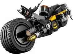 Ga achter Harley Quinn aan op Batmans Batmotor inclusief grote wielen met rubberen banden en roterende noppenschieters. Inclusief hamer, Batarang, noppenschieter-bazooka en 3 minifiguren. Bekijk nog meer leuke Lego op https://www.olgo.nl/lego/super-heroes.html