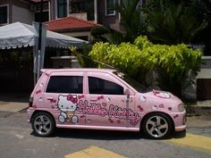 Hello Kitty Car, Cute Cars, Car Girls, Jada, Car Stuff, Dream Cars, Transportation, Cute Animals, Autos