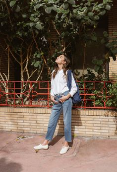 """The Dreslyn """"Play It Right"""" look book // white cotton button down with crisp denim, oxfords flats, chinatown, los angeles, the dreslyn"""