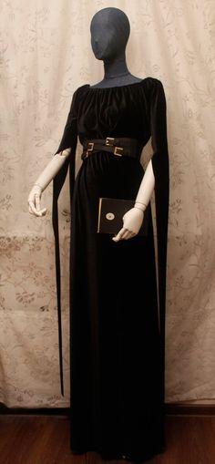 Gothic Witch Black Long Sleeve Dress Velour Velvet Polyester Material Noire Halloween Medieval Belt Romantic