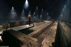 A Roman temple has been restored to its original site seven metres below the City of London, using sound, lights and misty haze to bring the ruin back to life.Built in the third century, the London Mithraeum was discovered by chance in 1954 on a World War Ancient Egyptian Art, Ancient Aliens, Ancient Rome, Ancient History, European History, Ancient Greece, American History, London City, Museum Architecture