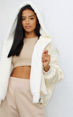 Fur Bomber, Bomber Jacket, Faux Fur Material, Faux Shearling Jacket, Casual Outfits, Cute Outfits, Fresh Kicks, Pocket Detail, Ankara