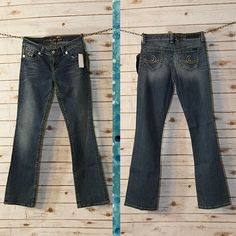 NWT Seven7 Jeans Size 30 Perfect condition. Very soft with heavy detailed stitching. Seven7 Jeans Boot Cut