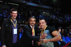 Vor Giulian Ilie muss man eindeutig den Hut ziehen! Auch wenn es im Duell mit Olympiasieger Rakhim Ckahkhiev nicht ganz reichte, konnte der Rumäne einen starken Eindruck hinterlassen und kam nur du...