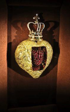 Salvador Dali - Jewels - Beating Heart - photo CBrewin