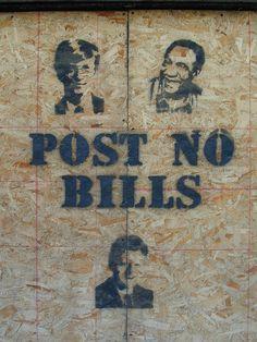 Best Banksy Graffiti Showcase – The Best in Street Graffiti Art . Banksy Graffiti, Best Graffiti, Street Art Graffiti, Urban Street Art, Urban Art, Canada Funny, Ap Studio Art, Funny Signs, It's Funny
