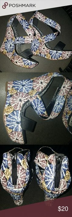 DbDk Fashion Wedges size 5.5 Size 5.5 good used condition. Purchased for a bachelorette party in Key West. Shoes Wedges