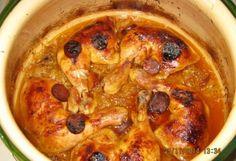 Sült csirkecomb savanyú káposztás ágyon | NOSALTY – receptek képekkel Meat Recipes, Recipies, Hungarian Recipes, Hummus, Poultry, Crockpot, Slow Cooker, Paleo, Chicken