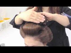 自毛高島田 所要時間45分 はえ際がとても自然 - YouTube Japan Hairstyle, Geisha Hair, Historical Hairstyles, Hair Setting, Kanzashi, Mademoiselle, Hair Videos, Diy Hairstyles, Hair And Nails